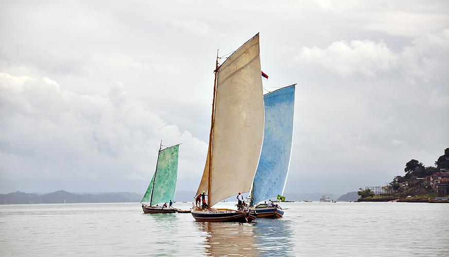 soteropoli.com-fotos-fotografia-salvador-bahia-regata-aratu-maragogipe-2011-saveiros-vela-içar (3)