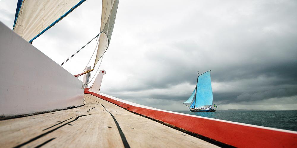 soteropoli.com-fotos-fotografia-salvador-bahia-regata-aratu-maragogipe-2011-saveiros-vela-içar (6)