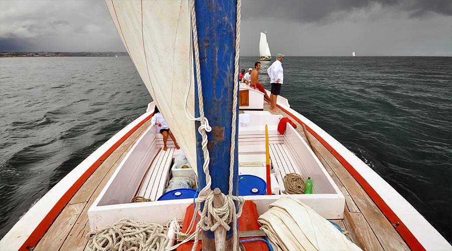 soteropoli.com-fotos-fotografia-salvador-bahia-regata-aratu-maragogipe-2011-saveiros-vela-içar (8)